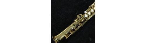 Saxofones sopranos Sib rectos